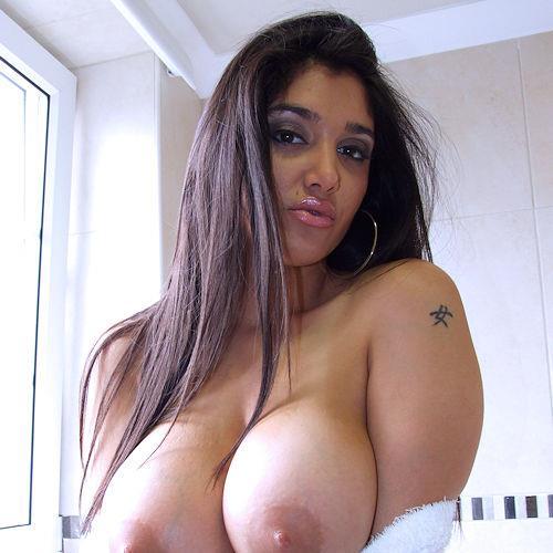 Date Latina Women